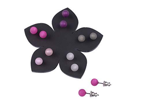 Adi Modeschmuck 5 Paar Ohrstecker in 6mm, original italienisches Polaris an einem Stift aus Chirurgenstahl auf einer schwarzen Blume aus Plexiglas