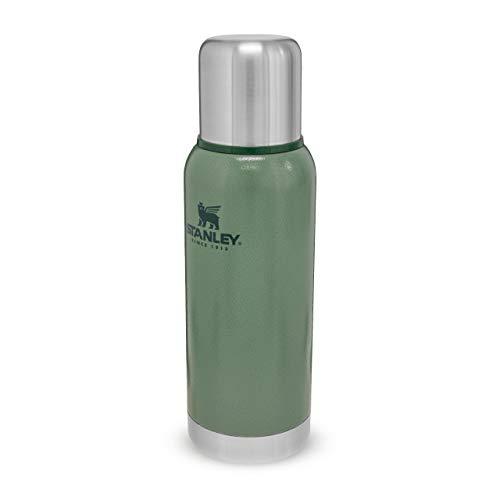 Stanley Adventure Stainless Steel Vacuum Bottle Edelstahl-Thermoskanne, | BPA-frei |Hält heiß oder kalt | Deckel fungiert als Trinkbecher | Lifetime Warranty, Hammertone Green, 0.73 L