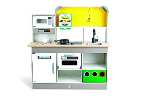 Hape E3177 Deluxe Spielküche mit Mikrowelle, Kaffeemaschine, Kühlschrank, Ofen, Herd inkl. Lustige Bratpfanne mit viel Zubehör, ab 3 Jahren