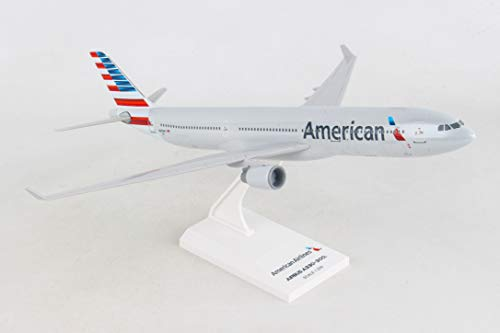 Daron Skymarks American Airlines A330-300 1/200 SKR872