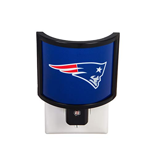 Team Sports America NFL New England Patriots Glowing Auto Sensor Night Light - 4