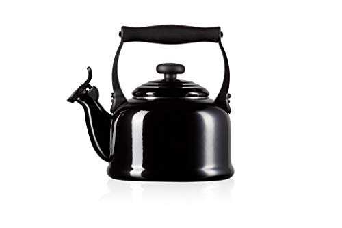 Le Creuset Traditional Stove-Top Kettle with Whistle, Suitable for All Hob Types Including Induction and Cast Iron, Enamelled Steel, Capacity: 2.1 L, Black, 92000800140000