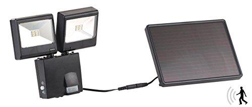 Luminea Solar Fluter: Duo-Solar-LED-Außenstrahler mit PIR-Bewegungssensor, 6 W, 480 lm, IP44 (Solarstrahler mit Bewegungsmelder)
