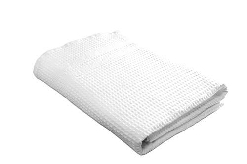 Gilden Tree Quick Dry Bath Towel Waffle Weave Luxury Bath Towels  Thin Eco-Friendly Towels for Bathroom, Gym, Beach, Boat, Spa, Travel  Shower Towel (White)