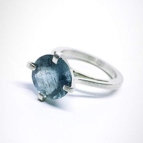 Bellissimo anello con grande acquamarina rotonda naturale di 4,03 carati di diametro 11 mm di dimensione Checker. Anello realizzato in argento sterling con acquamarina.