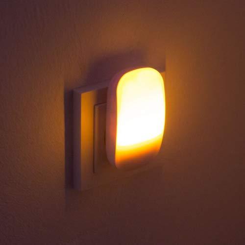 Limundo Nora ist EIN Nachtlicht/Steckdosenlicht/Orientierungslicht mit integriertem Dämmerungssensor und Bernstein-farbenen LEDs; ideal für Kinderzimmer, Schlafzimmer, Badezimmer, Gang und Keller usw