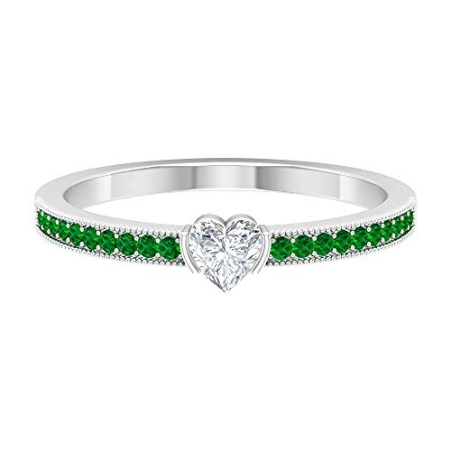 Anillo de aniversario de diamante en forma de corazón de 1/2 quilates con piedras laterales de esmeralda creadas (calidad HI-SI), oro blanco, diamante, tamaño: UK W1/2