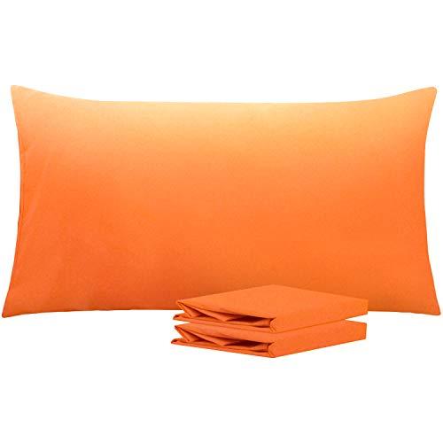 NTBAY Fundas de Almohada de Microfibra Lisa, Juego de 2 Fundas de Almohada Suaves, Antiarrugas y Resistentes a Las Manchas con Cierre de sobre, 50x90 cm, Naranja