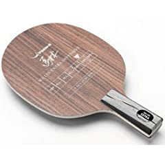 Ma Lin EXTRA OFFENSIVE is a fast 5-ply blade developed in cooperation with Ma Lin. The very hard outer veneers are combined with selected Scandinavian pine veneers to give the blade power. The thick, medium soft center veneer helps to give the blade ...