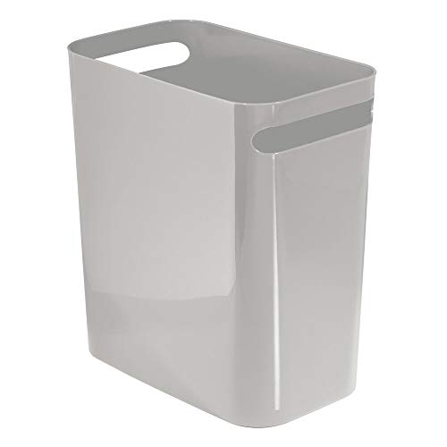 mDesign Cubo de basura con asas – Ideal como papelera o contenedor de plástico para el baño, la cocina o la oficina – Diseño moderno en plástico resistente – gris