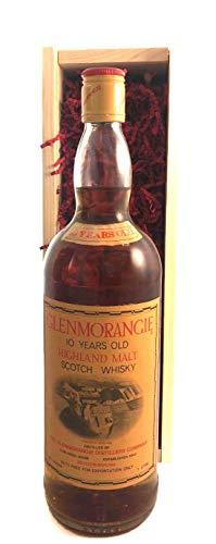 Glenmorangie 10 Year Old Highland Malt Whisky (100cls) en una caja de madera con tres accesorios de vino, 1 x 1000ml