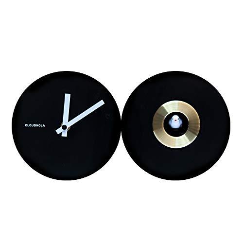 Cloudnola Cuckoo Kuckucksuhr aus Stahl, Schwarz und Gold - 30 cm breit - Uhr mit Vogelstimmen - Moderne Wanduhr ohne Ticken, Batteriebetriebenes Quarzuhrwerk - Designer Standuhr