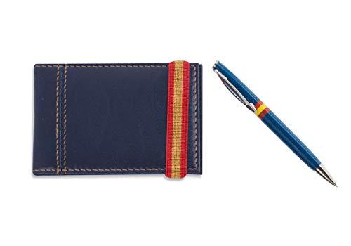 Set Tarjetero Polipiel Color Azul con Cinta elástica Bandera España y Bolígrafo plástico Azul Bandera España. Presentado en Bolsa de Tela ganate