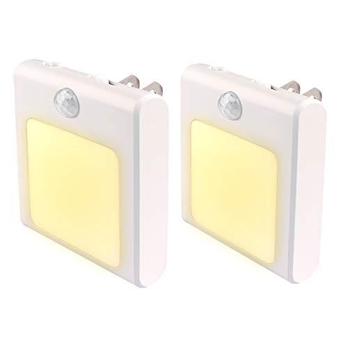 人感センサー ライト WEYON 足元灯 モード切替 明るさ調節可 コンセントに挿すだけ LED 明暗センサー 電球色 2個セット