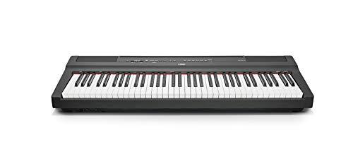 YAMAHA P121 Tragbares Digitalpiano mit schwarzem Finish
