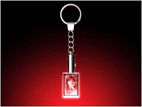 GLASFOTO.COM Schlüsselanhänger mit eigenem Foto und LED-Leuchte Glaskristall - Kristallglas mit 3D Innengravur – 20 x 30 x 15 mm