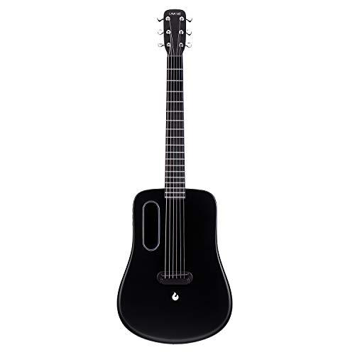 LAVA ME 2 Kohlefaser Gitarre mit Effekten Akustische Elektrische Reisegitarre mit Tasche Picks und Ladekabel (FreeBoost, Schwarz, 36 Zoll)