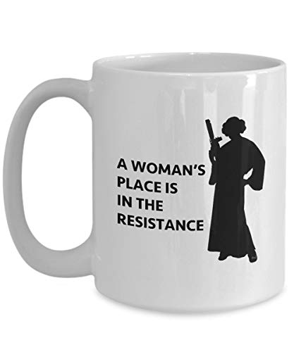 Woman rsquo; s Place is in the Resistance Taza de regalo sar
