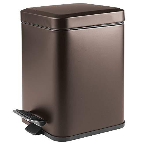 mDesign Papelera de baño Cuadrada de 6 litros – Cubo de Basura con Pedal, tapadera y cubeta de plástico – Elegante contenedor de residuos para cosméticos, baño, Cocina u Oficina – Color Bronce