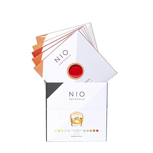 """NIO Cocktails a domicilio. Speciale""""Box Red Mix""""- contiene 5 cocktail: 2 Negroni, Milano Torino, Boulevardier, Manhattan. Miscelati in Italia e solo con spirits premium."""