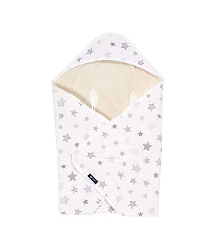 Alvi Baby Reisedecke Exclusiv | Baby Einschlagdecke 80cmx80cm | Babydecke mit integrierter Mütze | Babyhörnchen atmungsaktiv | passt für jede Babyschale, Design:Silver Stars silbergrau 786-9