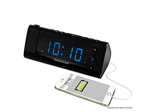 """Magnasonic USB Charging Alarm Clock Radio with Time Projection, Battery Backup, Auto Time Set, Dual Alarm, 1.2"""" LED Display for Smartphones & Tablets (EAAC475)"""