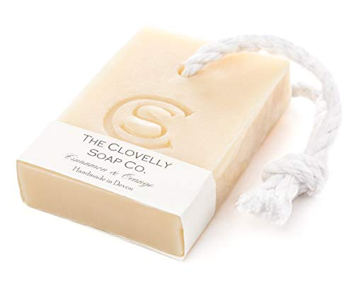 Clovelly Soap Co Natürliche handgemachte Seife Zimt & Orange mit Schnur für alle Hauttypen 100g
