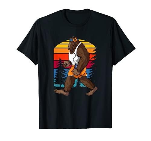 Divertido Retro Bigfoot Running Silhouette Sun Believe Sasquatch Camiseta