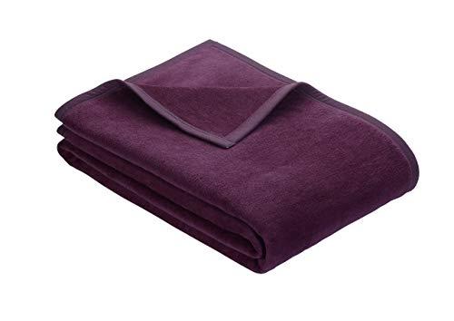 Ibena Porto Kuscheldecke 150x200 cm - Wolldecke dunkelviolett einfarbig, pflegeleichte Baumwollmischung, kuschelig weich und angenehm warm