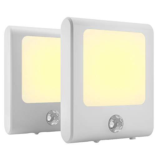 MAZ-TEK Sensor de enchufe con brillo ajustable, luz nocturna LED de color blanco cálido activada por movimiento para pasillo, escalera, pasillo, cocina, salón, garaje, sótano, 2 unidades