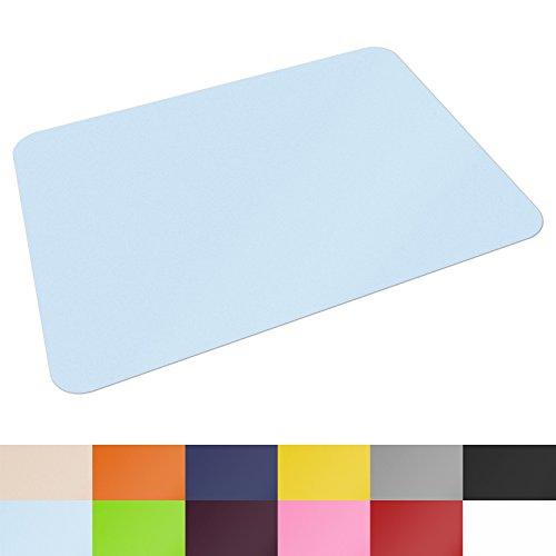 Schreibtischunterlage von Office Marshal® | hochwertige Tischauflage für Büro und Schule | abwischbar | rutschfest | 65x50 cm | hellblau