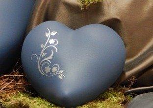 Tierurne - Herz aus Keramik, Mittelblau, silberfarbiges Ornament, Vol. ca. 0,55 Ltr.