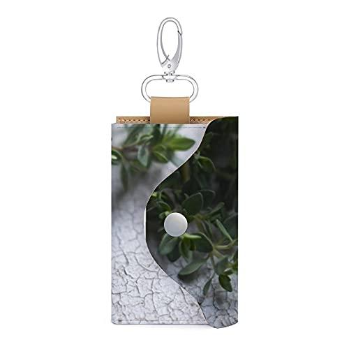 Tomillo en la mesa de madera vieja de cuero llavero titular de la tarjeta de dinero cartera bolsa 6 llaves organizador bolsa caso
