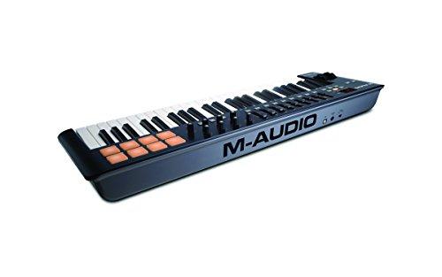 M-Audio Oxygen 49 IV - Clavier Maître MIDI 49 Touches avec 8 Pads Sensibles à La Vélocité et Boutons de Contrôles Assignables avec VIP 3 et Pack de Logiciels Inclus, Noir