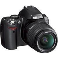 Nikon D40 SLR-Digitalkamera (6 Megapixel) schwarz inkl. AF-S DX 18-55 Objektiv (Generalüberholt)