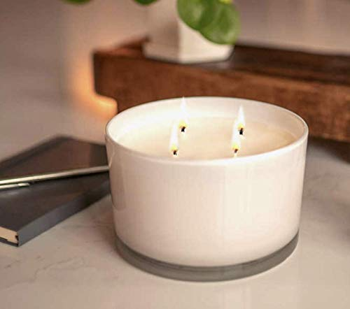 Bellevue 4-Wick 40oz. Luxury Candle Soy Blend with Pure Essential Oils (Grapefruit & Vanilla)