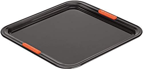 Le Creuset Plaque à Pâtisserie Anti-Adhérente, Forme Carrée, 31 x 31 cm, sans PFOA, Résistant au Levain, En Acier Siliconé, Anthracite/Orange