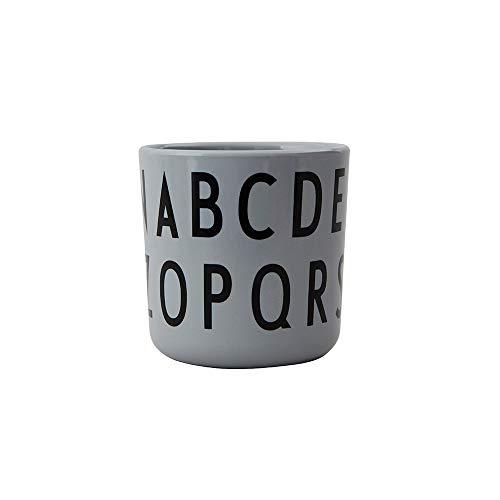 Design Letters Persönliche ABC Melamin Becher für Baby und Kinder (Grau) - BPA-frei, BPS-frei, Multifunktionsbecher, spülmaschinenfest, Zubehör ist separat erhältlich, 175 ml