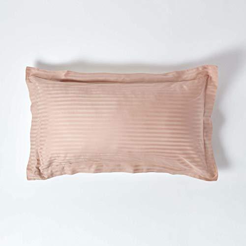 Homescapes Taie d'oreiller à Volant Plat - Oxford - 50 x 90 cm de Couleur Taupe en Pur Coton peigné d'Egypte 330 Fils (130 Fils/cm²) avec des Rayures Satin et Anti Acariens