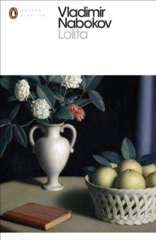Lolita (Penguin Classics) by Vladimir Nabokov (2000) Paperback