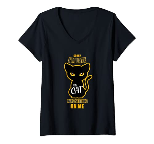 Mujer Gato sentado sobre mí Dueño de gato irónico Camiseta Cuello V