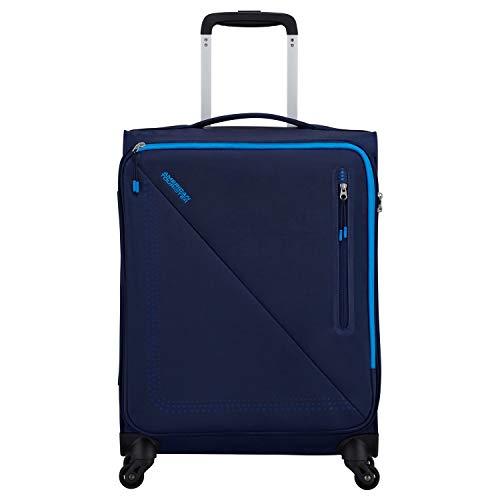 AMERICAN TOURISTER Lite Volt è pensata per chi vuole viaggiare leggero. Questa linea offre una eccezionale leggerezza ― solo 1,5 kg per l'Upright 55 ― unita a un look moderno e vivace. Il tessuto spor
