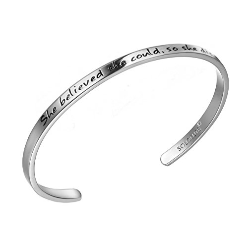 Solocute Silber Damen Armband mit Gravur She Believed she Could So she did Inspiration Frauen Armreif Schmuck