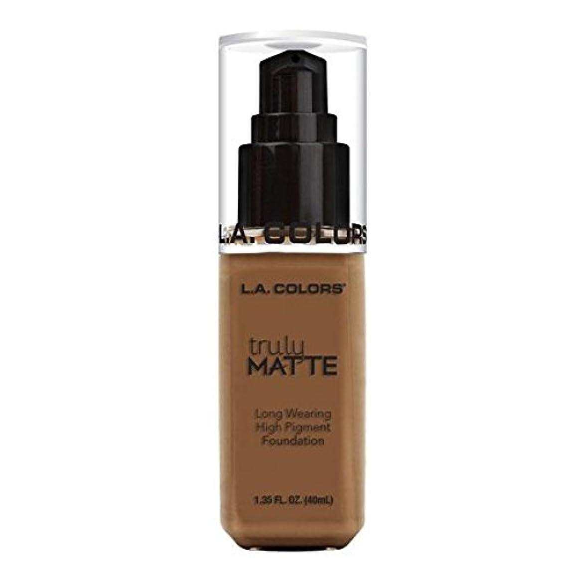 のホストお金ゴム間欠(3 Pack) L.A. COLORS Truly Matte Foundation - Cappuccino (並行輸入品)