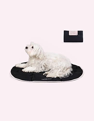 United Pets Lazy Dog Mat - Cuccia Portatile per Cani Pieghevole, Cuccia da Ristorante E da Viaggio, Tappetino Cuccia Leggero, Colore Nero Rosa - 100 g