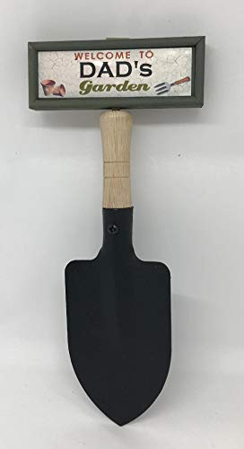 'Welcome to Dad's garden' hanging shovel sign