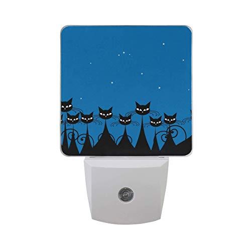 Paquete de 2 lámparas LED de luz nocturna con impresión de gato negro con sensor del atardecer al amanecer para dormitorio, baño, pasillo, escaleras, etc.
