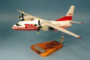 Antonov 26 - krul - DHL - groot mahonie model - vliegtuigen collectie