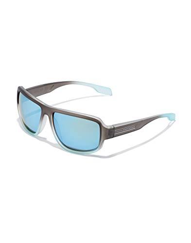 HAWKERS · Gafas de Sol F18, para Hombre y Mujer, de diseño sportswear con montura bicolor de gris translúcido a azul escarchado y lentes espejadas azules, Protección UV400