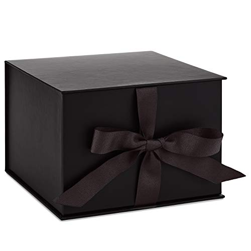 Hallmark 7' Large Black Gift Box with Lid and Shredded Paper Fill for Christmas, Hanukkah, Fathers Day, Graduations, Weddings, Birthdays, Grooms Gifts, Engagements